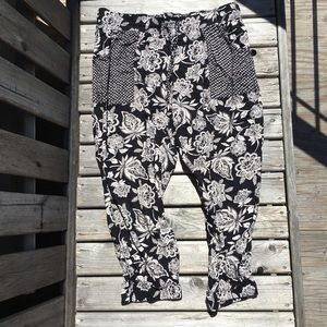 AEO Relaxed Printed Cropped Pants